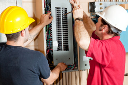 3 signs that it might be time to upgrade your homes electrical panel